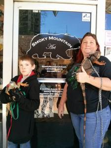 Smokey Mountain Art Gallery photo op
